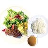 厚切りステーキ ジカビー - 料理写真:ランチタイムは、付け合わせとしてサラダ、マッシュポテトがついています。ライス、スープもセットになっています。