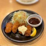 ガスト - 料理写真:広島産カキフライ(599円→399円税別)