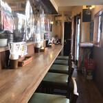 Spice食堂 - 店内・カウンター以外にテーブル席もあります