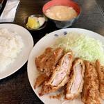 燕楽 - 料理写真:ランチサービスロースカツランチ950円
