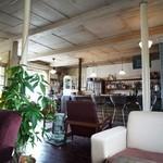 Cafe & Bar cheka - カウンター側