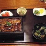 1390776 - 上うな重(2,500円)