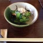 13900060 - 先付け、小松菜と桜海老の煮付け