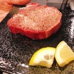 フィレ肉専門店 にくぞう - 追加注文した厚切りタン