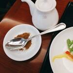 中国料理 桃煌 - 追加の辛みパウダー
