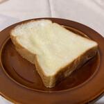 大内山ミルク村 - 大内山 手造りバターを塗って