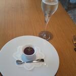 BISTRO INOCCHI - アミューズとスパークリングワイン