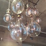 BISTRO INOCCHI - 照明も個性的