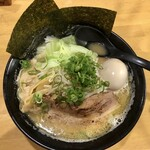 広島らーめん 平の家 - 豚骨醤油 全部のせ 950円 麺大盛り 100円