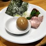 本町製麺所 阿倍野卸売工場 中華そば工房 - 別皿トッピング