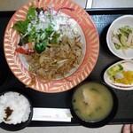 いろり割烹 芳 - 料理写真:豚生姜焼き定食
