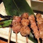 ちょぼいち鶏鶏もだん - ランチ定食、焼鳥のアップ