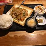 えん弥 - 青椒肉絲ライスセット(ライス大盛り)