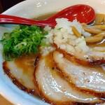 煮干らーめん さかもと - 極上煮干し(800円)+チャーシュー(250円)