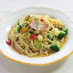 森のレストラン すっぴん - いろどり野菜のペペロンチーノ