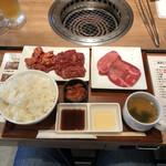 お肉屋さんのひとり焼肉 - 料理写真: