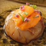 鮨 乃すけ  - ボタン海老の正油漬け ウニのせ