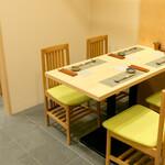 鮨 乃すけ  - テーブル席