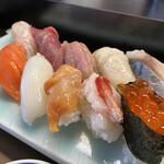 菊善 - 料理写真:上にぎりアップ