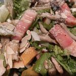 ディーアイワイ サラダ & デリカテッセン - ベーコンが分厚くて美味しい