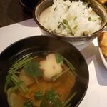 高田豆腐店 - 菜飯とゆばいりお吸い物