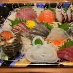 Buchiumaihigashi - 刺身盛り合わせ 1000円