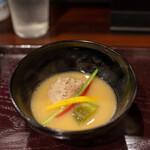 鳥田中 - 2020.10 鶏スープの白味噌椀(鶉のつくね、トロナス、壬生菜の軸、赤ピーマン、柚子)