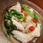 ブッチャー・リパブリック 横浜赤レンガ シカゴピザ&ビア - 本日の鮮魚はカンパチでした 脂乗ってて旨し! 味付けも最高!