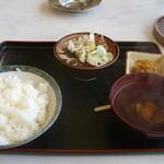 張替食堂 - 料理写真:もつ煮込み定食
