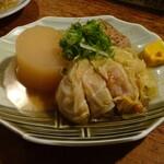 赤垣屋 - おでん(大根・焼豆腐・キャベツ巻)