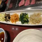 Namusan - 野菜ナムルの盛り合わせ(¥600)