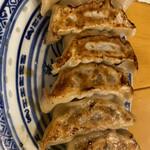 中国ラーメン 揚州商人 - 焼き餃子