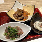 楚々 The Zen - 先付(季節の前菜三種盛り合わせ) カツオ、煮物、五島巻き