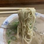 139119432 - 細めながら幅広な麺