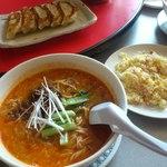 菜嘉 - 旭川エスタ5階で「四川飯店」として営業されていた時からの人気メニュー坦々麺。移転オープンの初日に行きました!!!この独特のスープと麺のバランスが絶妙でした。