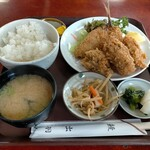 大衆割烹 出羽 - 料理写真:新牡蠣とアジフライセット950円