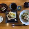 味処 銀の里 - 料理写真:週替わりランチ@950(当日は天ぷらと漬け海鮮丼の2択)