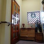 ラジャコート - 二階入り口