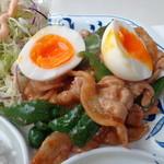 ラジャコート - 半熟卵、豚バラとピーマンのしょうが味噌炒め