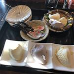 139140828 - 待ち時間のサービス豆腐(試食)