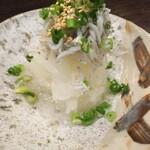 九州の地魚料理 侍 - しらすおろし!380円!
