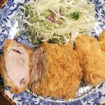 139148862 - 盛り合せ定食 鳥(2700円)                       国産銘柄豚ひれかつ(100g), カニクリームコロッケ(80g)の盛り合せ。