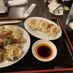 台湾菜館 弘城 - 回鍋肉セット。餃子とライスがついています。980円