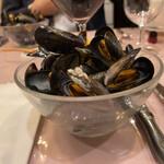 ル ビストロ - ムール貝の白ワイン蒸し。一人前。