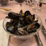ル ビストロ - ムール貝の白ワイン蒸し。