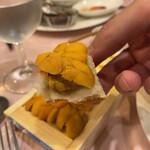 ル ビストロ - ウニは1人一枚。理由は「2人で1枚とかだと、遠慮して食べないから」