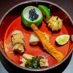 Ginzafujiyama - 烏賊、自家製キャビア 鬼灯 笹鰈 くちこ 小芋の唐揚げと豆腐の味噌漬け スベリヒユとお揚げ