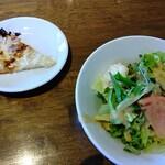 ナポリの食卓 パスタとピッツァ - セットサラダと照り焼きチキン