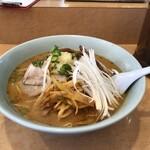 山竹 - 料理写真:ネギチャーシューメン