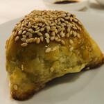 YAUMAY - 蝦夷鹿肉のパイ包み